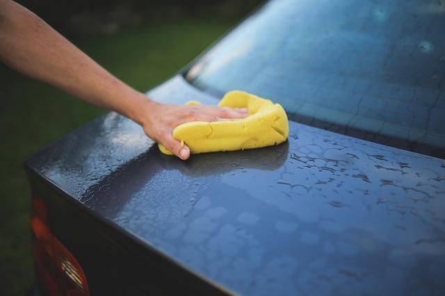 mytí auta houbou.jpg