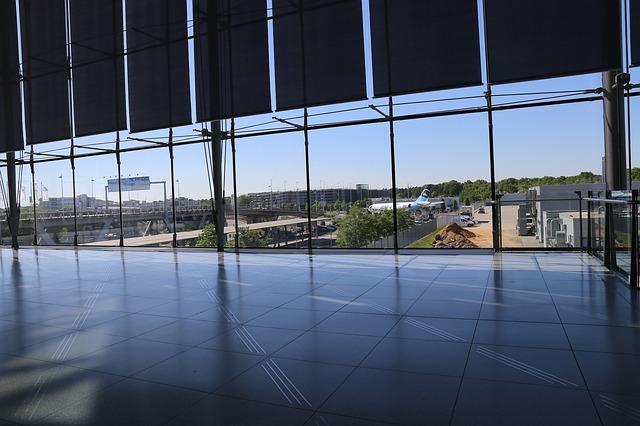 letiště kolín nad rýnem.jpg