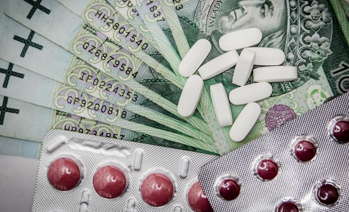 peníze a léky